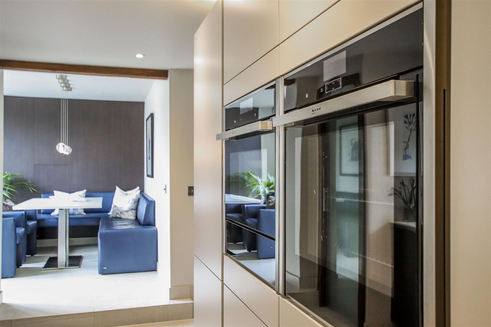 5 Bedroom Semi-detached House For Sale - 48.JPG